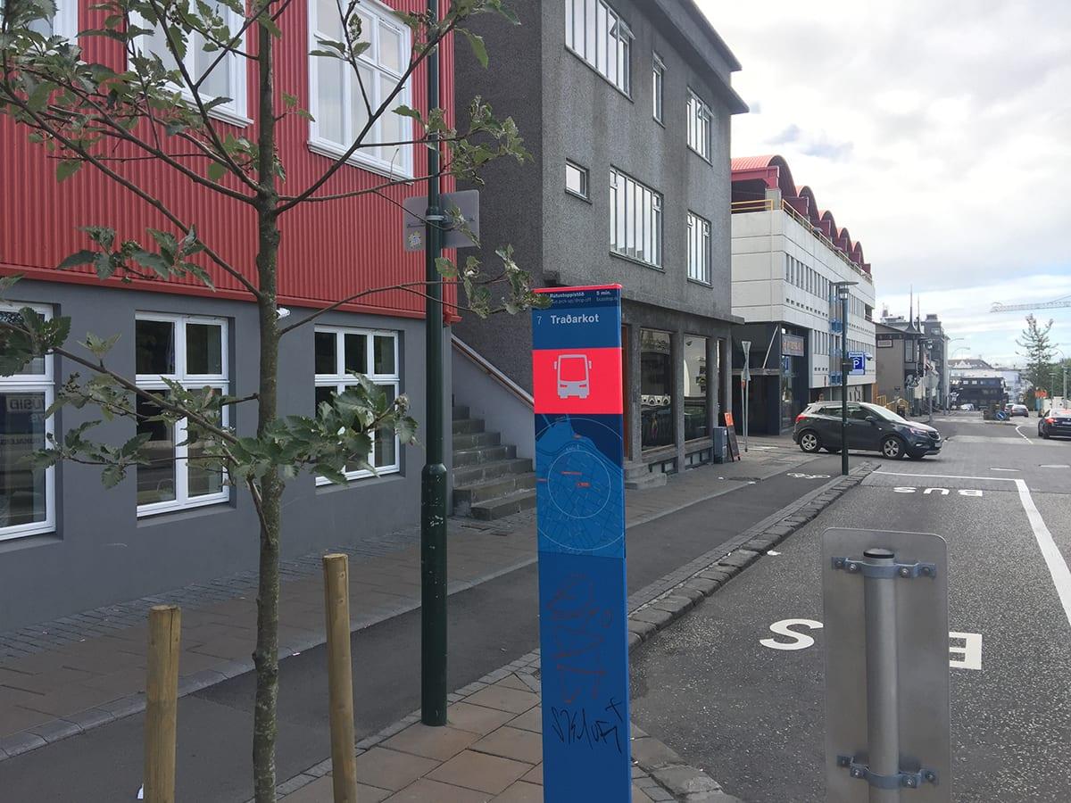 Bus stop 7 Traðarkort
