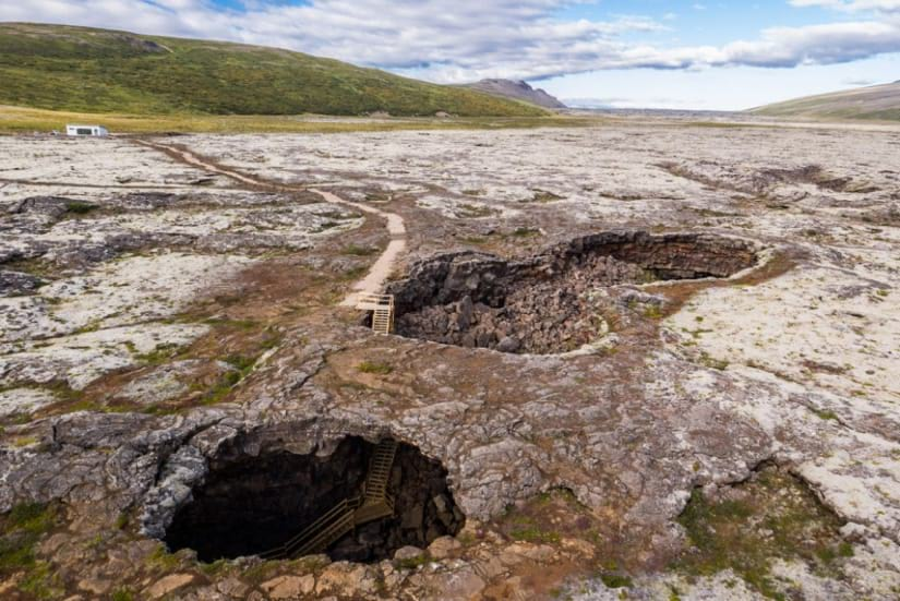 Path from Vidgelmir basecamp to the cave entrance